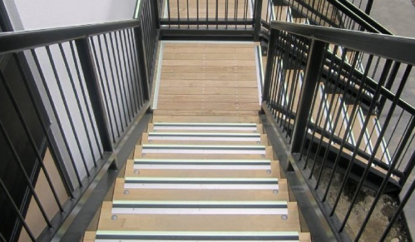 Ecoglo Luminescent Stair Treads